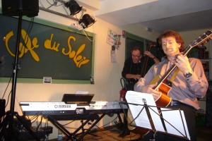 Olivien et Giessel au Café du Soleil à Ferney